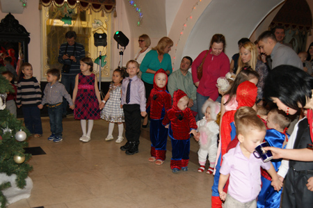 "New year party for whole family ""Elki-show"" (Christmas tree-show)"